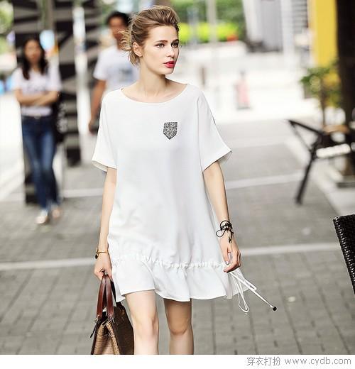 穿高贵无暇的白演绎极简的素雅