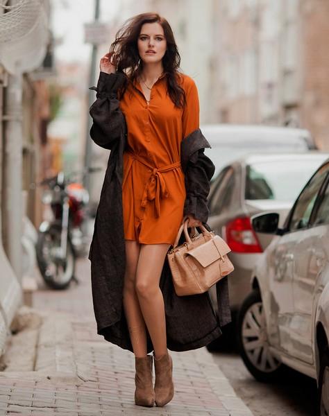 秋季裙装质感为首,换季穿搭有它不愁