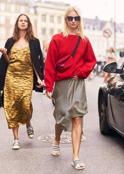 暖心毛衣配暖秋,毛衣+半裙横扫时装周