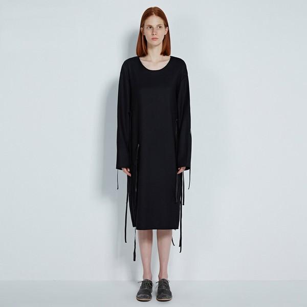 始于颜值忠于气度,秋裙帮助舒适过渡