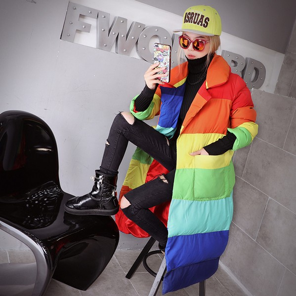 彩虹般的着装 彩虹般的女人