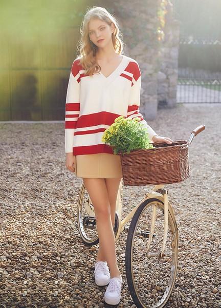 单穿叠搭都犀利,春天需要这件毛衣