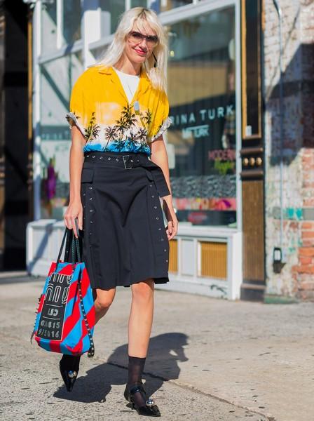 轻松优雅的出色代表,睡衣风衬衫穿对很时髦