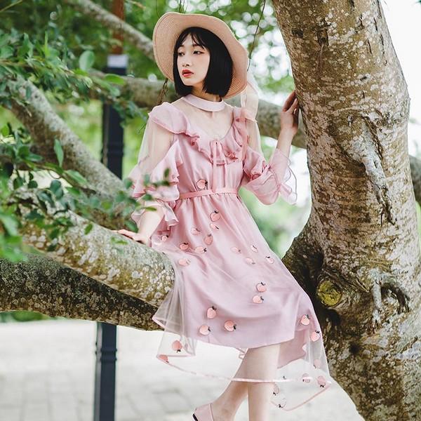 飘逸随风,有裙的春天才生动