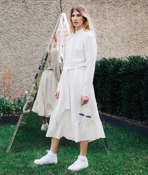 时髦又百变,衬衫裙凹造型从不敷衍