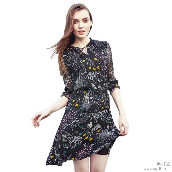高腰连衣裙,黄金比例制造大长腿