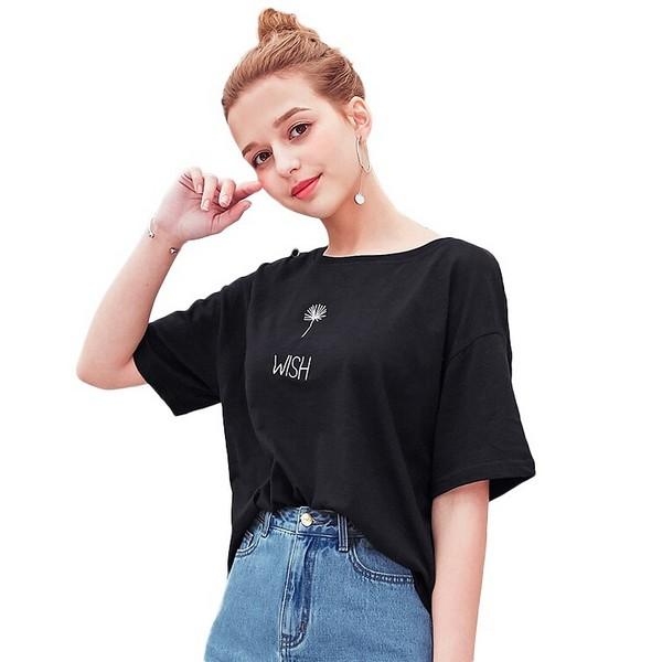 酷女孩专属,黑色T恤个性不甜腻
